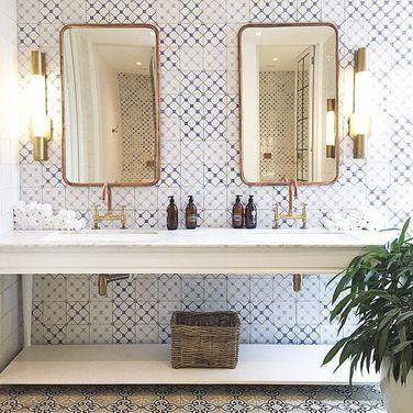 Associer le marbre et le cuivre dans une salle de bain | Sarodis