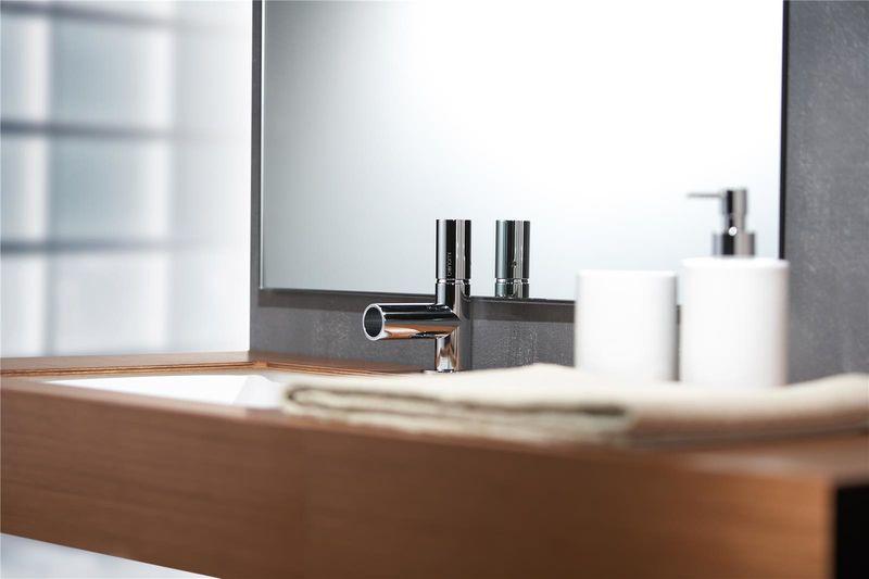 mitigeur lavabo chrom avec bec cascade tube. Black Bedroom Furniture Sets. Home Design Ideas