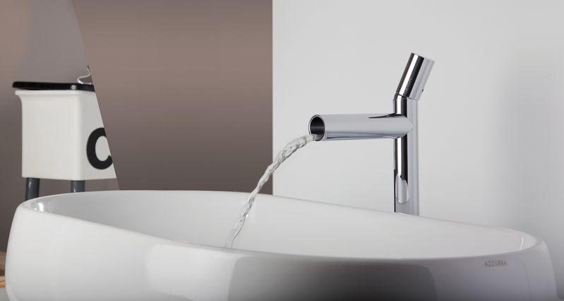 Mitigeur lavabo chromé avec bec cascade